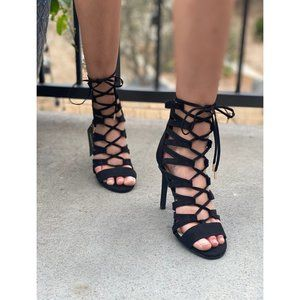 NWT! STRAPPY HEELS SIZE 7